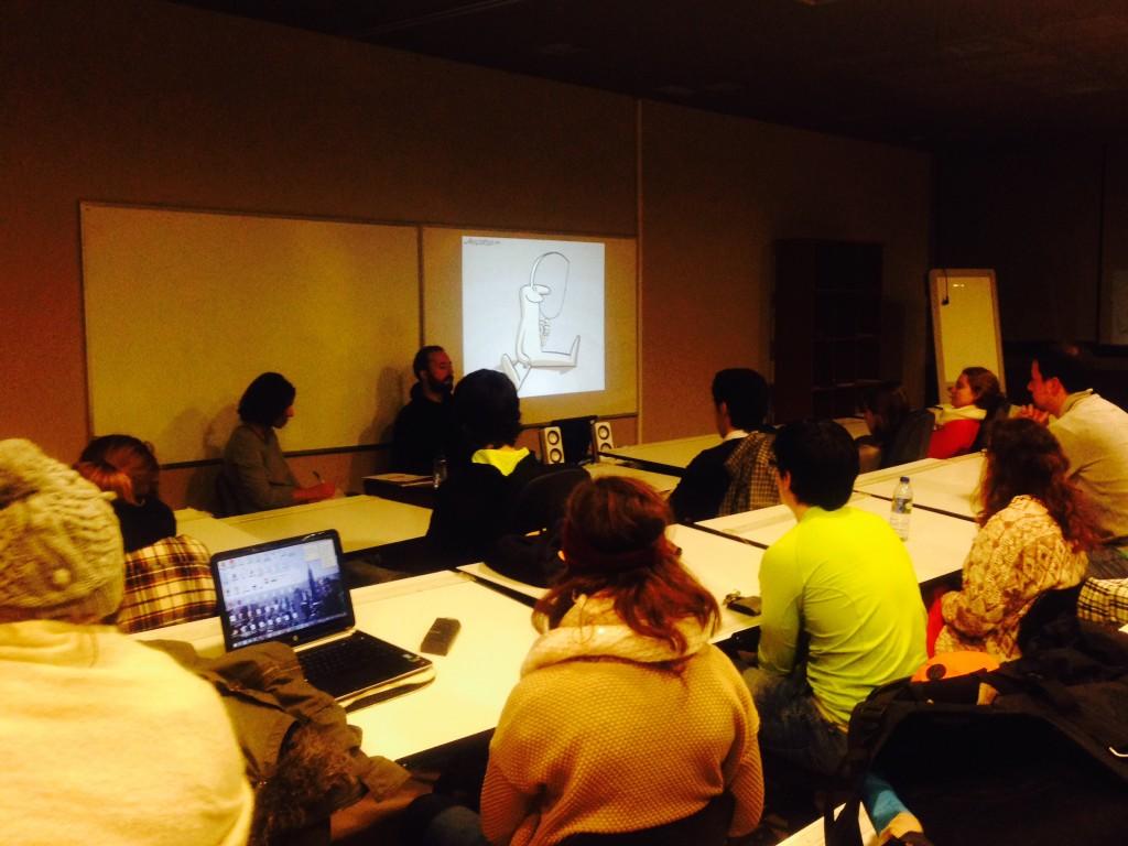 Nacho Rodríguez invita a los alumnos de ESNE Asturias, a desarrollar su creatividad y adaptarla a las demandas del mercado.