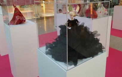 ESNE Asturias repasa la historia de la moda con Barbie de protagonista